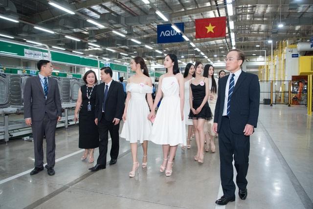AQUA Việt Nam chào mừng Top 35 thí sinh HHVN 2020 tham quan nhà máy tại Đồng Nai - Ảnh 1.