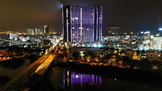 Chi gần 70 tỷ đồng lắp đèn led, tòa tháp sắp bàn giao trở thành dự án nổi bật khu Nam Sài Gòn - Ảnh 2.