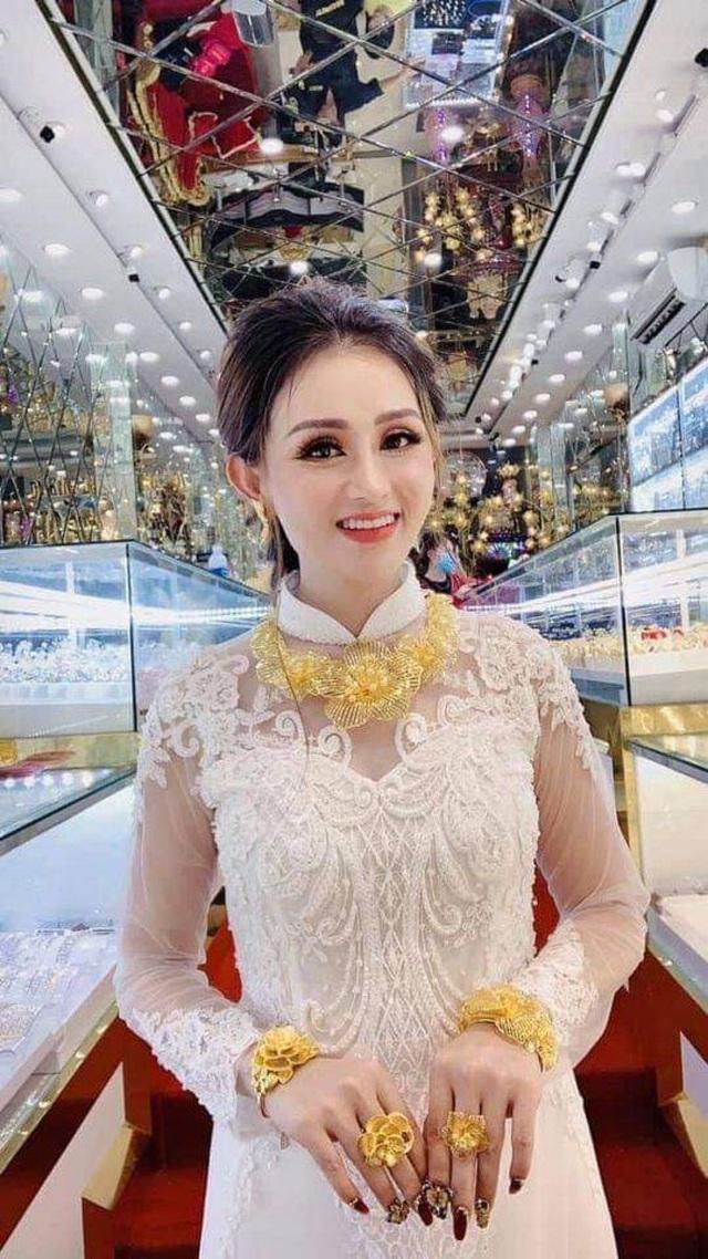Mùa cưới rộn ràng, Tiệm Vàng Hoàng Phát gợi ý các mẫu trang sức cho cô dâu ngày trọng đại - Ảnh 1.