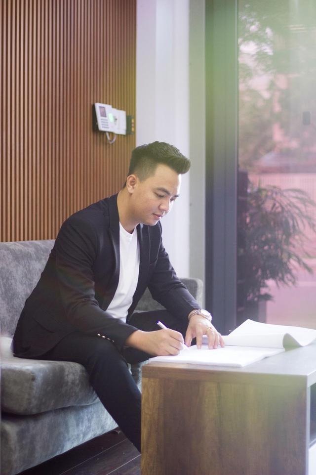 KTS trẻ Lưu Hồng Lâm và câu chuyện 10 năm nỗ lực để đạt ước mơ - Ảnh 1.