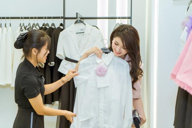 NEVA khiến các tín đồ thời trang Hà Nội - HCM náo loạn với hàng loạt showroom mới - Ảnh 2.