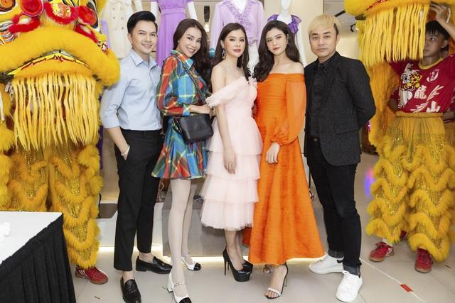 NEVA khiến các tín đồ thời trang Hà Nội - HCM náo loạn với hàng loạt showroom mới - Ảnh 4.