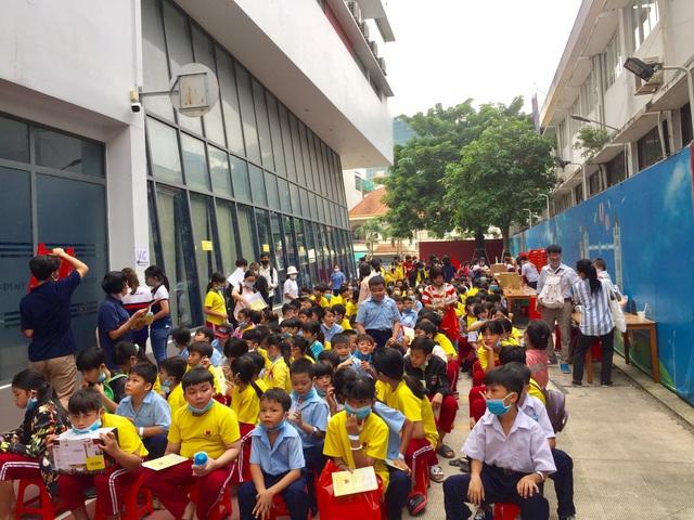 Tập đoàn giáo dục Nguyễn Hoàng đồng hành khám sức khỏe miễn phí cho 2.000 người tại TP.HCM - Ảnh 1.