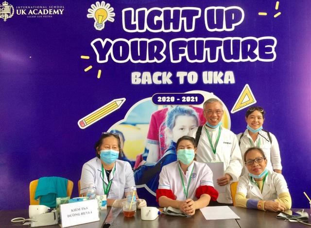 Tập đoàn giáo dục Nguyễn Hoàng đồng hành khám sức khỏe miễn phí cho 2.000 người tại TP.HCM - Ảnh 2.
