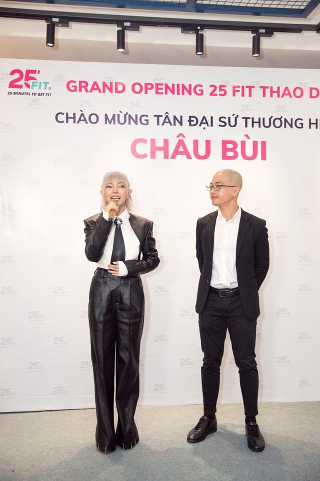 Chau Bui phat bieu tai buoi khai truong chi nhanh thu 10