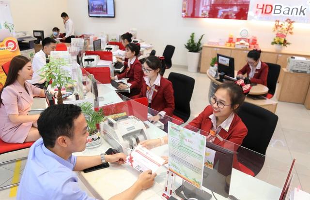 Có lãi có quà lên đến 1 tỷ chỉ với 10 triệu gửi tiết kiệm tại HDBank - Ảnh 1.
