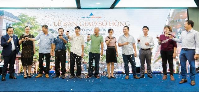 Đất Xanh Miền Trung trao sổ hồng cho 200 căn nhà phố thương mại sang trọng tại Đà Nẵng - Ảnh 1.