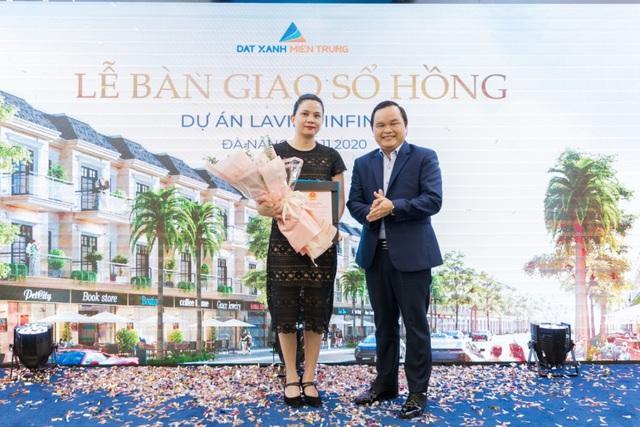 Đất Xanh Miền Trung trao sổ hồng cho 200 căn nhà phố thương mại sang trọng tại Đà Nẵng - Ảnh 2.