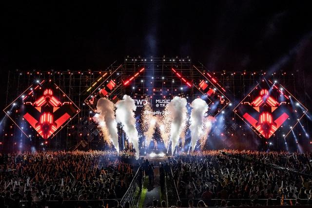 Dế Choắt tung lời Rap cực chất tại FWD Music Tour 2020 @TP. Đà Nẵng - ảnh 3