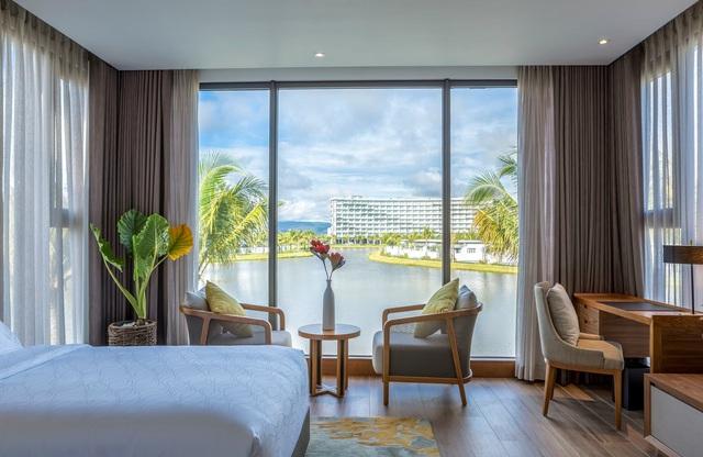 """Giải """"Oscar của ngành du lịch thế giới"""" xướng tên Mövenpick Resort Waverly Phú Quốc - Ảnh 1."""