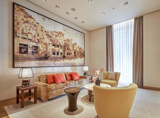 """Louis Vuitton """"thắp sáng"""" Thủ đô Hà Nội với cửa hàng mới: Hoành tráng hơn, lộng lẫy hơn - Ảnh 5."""