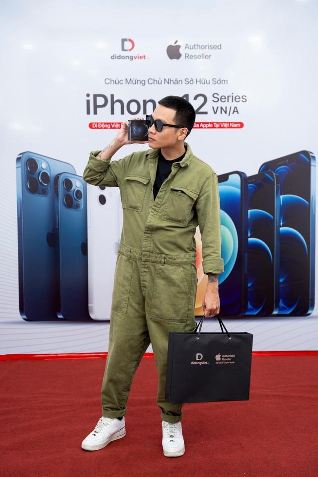 Wowy sở hữu iPhone 12 Pro Max VN/A ngay trong ngày mở bán đầu tiên tại Việt Nam - Ảnh 3.