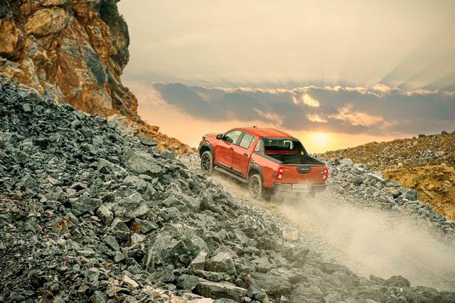 Kỹ sư trưởng của Toyota: Hilux định nghĩa lại sự mạnh mẽ - Ảnh 3.