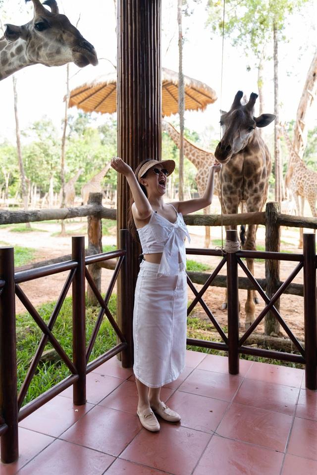 """""""Một vé đi tuổi thơ"""" cùng Quang Vinh - Phạm Quỳnh Anh tại VinWonders & Vinpearl Safari kỳ thú - Ảnh 4."""