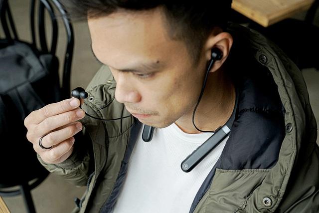 """Trải nghiệm tai nghe chống ồn Yamaha EP-E50A và EP-E70A: Thiết kế đeo cổ tiện lợi, chống ồn """"ổn áp"""" và nhiều tính năng hay ho độc quyền - Ảnh 3."""