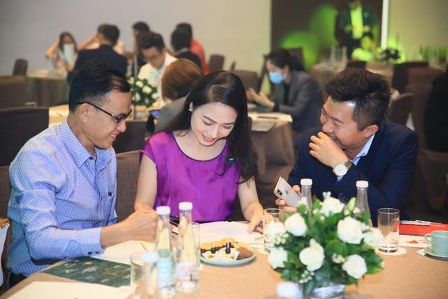 Nhiều nhà đầu tư xuống tiền ngay trong lễ ra mắt The Residence Phú Quốc - Ảnh 4.