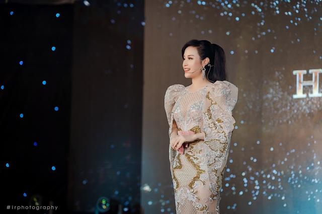 """Hóa thân thành High Queen lộng lẫy, nữ chủ tịch Nguyễn Thị Ánh tỏa sáng trong đêm Gala vinh danh """"LA MUSE"""" Hathor Group - Ảnh 1."""