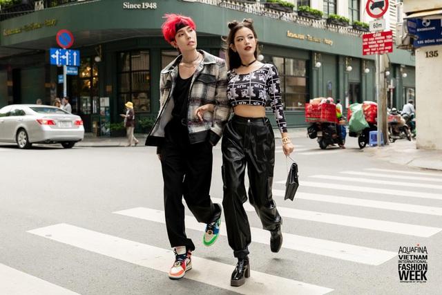 Street style của người Việt trẻ tại Aquafina Tuần lễ Thời trang: Thế hiện chất riêng, không ngại phá cách, còn có cơ hội rinh Airpods Pro thì tội gì không thử? - ảnh 4