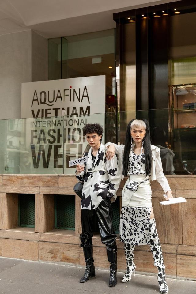 Street style của người Việt trẻ tại Aquafina Tuần lễ Thời trang: Thế hiện chất riêng, không ngại phá cách, còn có cơ hội rinh Airpods Pro thì tội gì không thử? - ảnh 5
