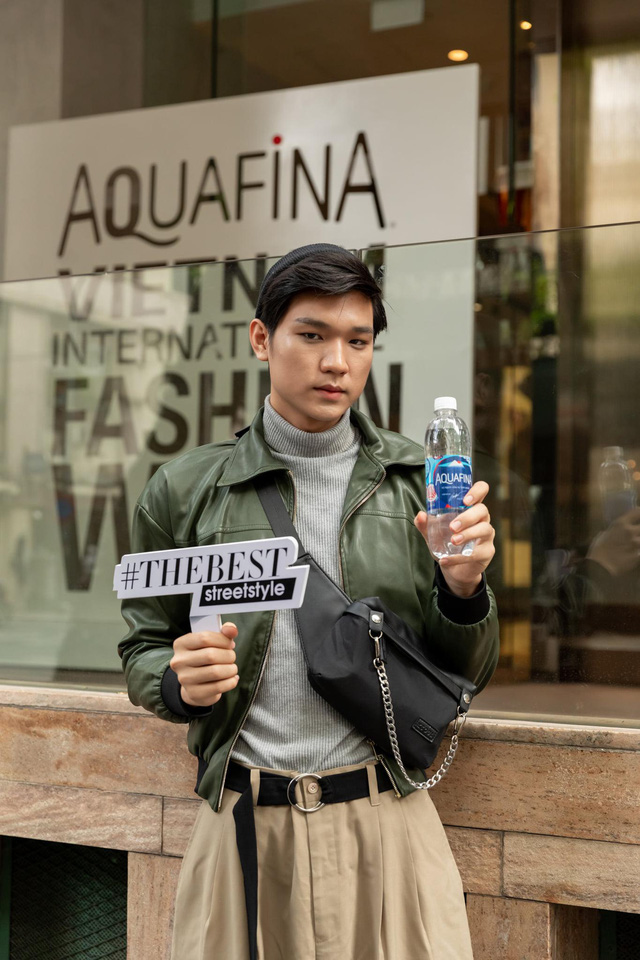 Street style của người Việt trẻ tại Aquafina Tuần lễ Thời trang: Thế hiện chất riêng, không ngại phá cách, còn có cơ hội rinh Airpods Pro thì tội gì không thử? - ảnh 7