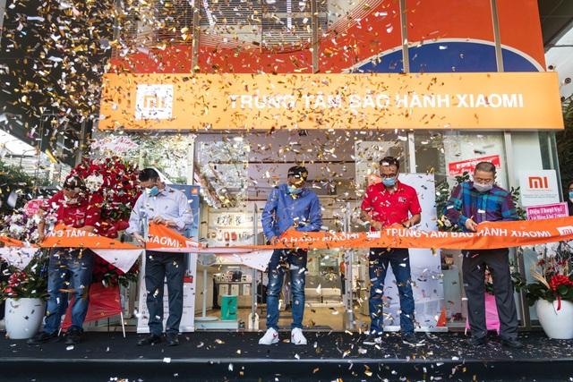 Nhiều ưu đãi hấp dẫn nhân dịp trung tâm bảo hành Xiaomi đầu tiên tại Việt Nam khai trương - Ảnh 1.