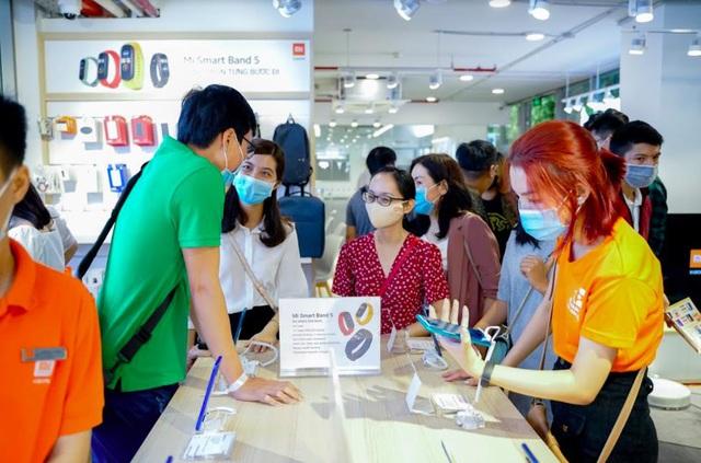 Nhiều ưu đãi hấp dẫn nhân dịp trung tâm bảo hành Xiaomi đầu tiên tại Việt Nam khai trương - Ảnh 4.