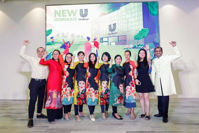 Văn phòng Unilever thay đổi diện mạo trước thềm năm mới - Ảnh 2.