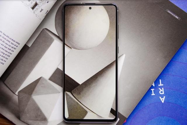Galaxy Note 10 Lite làm bức tường thành của Samsung trở nên vững chắc hơn trước mọi đối thủ - Ảnh 2.