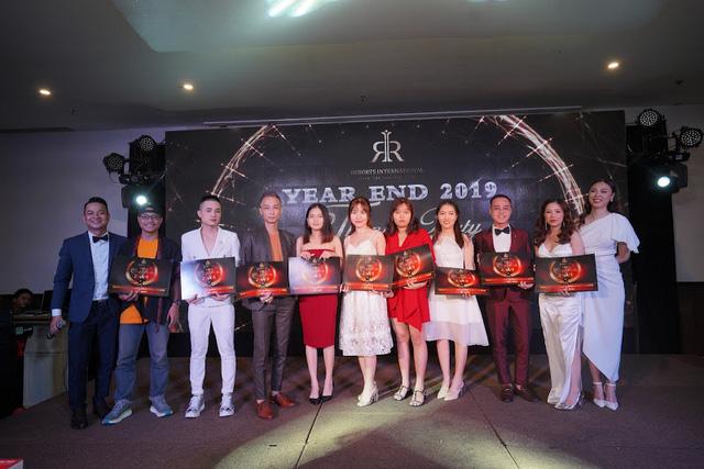 Tập đoàn du lịch chi thưởng tết với con số khủng - RIVN Year End Party - Ảnh 1.