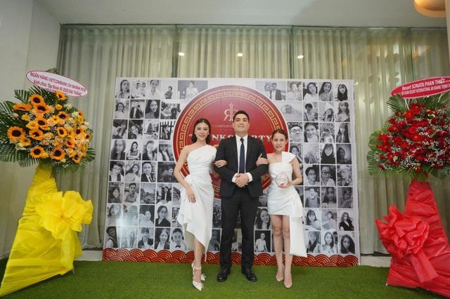 Tập đoàn du lịch chi thưởng tết với con số khủng - RIVN Year End Party - Ảnh 2.