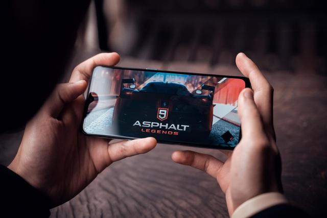 Ít có smartphone Android tầm trung nào được ưu ái cho việc chơi game nhiều như thế này - Ảnh 2.