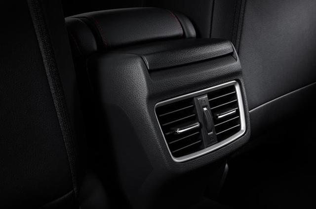 Honda Civic RS thêm màu mới tại Việt Nam - Ảnh 5.