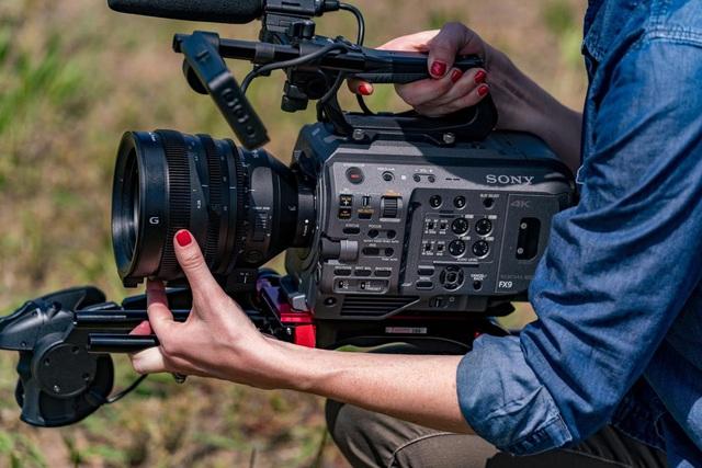 """Làm phim dễ dàng với máy quay Sony PXW-FX9 đạt chuẩn """"cận máy quay điện ảnh"""" - Ảnh 3."""