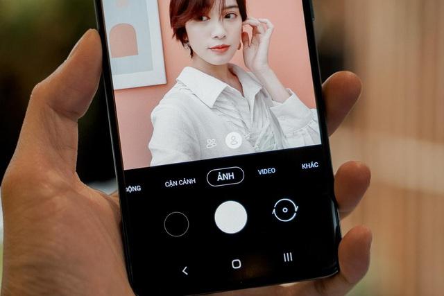 Cứ nhắc hoài về camera macro nên mọi người quên mất không để ý Galaxy A51 chụp selfie mới gọi là đỉnh cao - Ảnh 3.