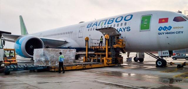 Cận cảnh chuyến bay đặc biệt của Bamboo Airways đưa công dân Séc và châu Âu hồi hương - Ảnh 3.