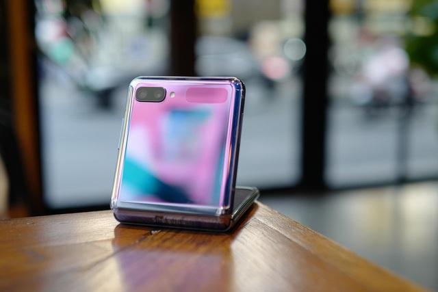 """Chỉ thêm khả năng """"gập"""" nhưng Galaxy Z Flip đã thay đổi hoàn toàn cách chúng ta nhìn nhận về điện thoại như thế nào? - ảnh 4"""