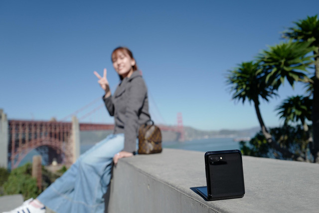 """Chỉ thêm khả năng """"gập"""" nhưng Galaxy Z Flip đã thay đổi hoàn toàn cách chúng ta nhìn nhận về điện thoại như thế nào? - ảnh 5"""
