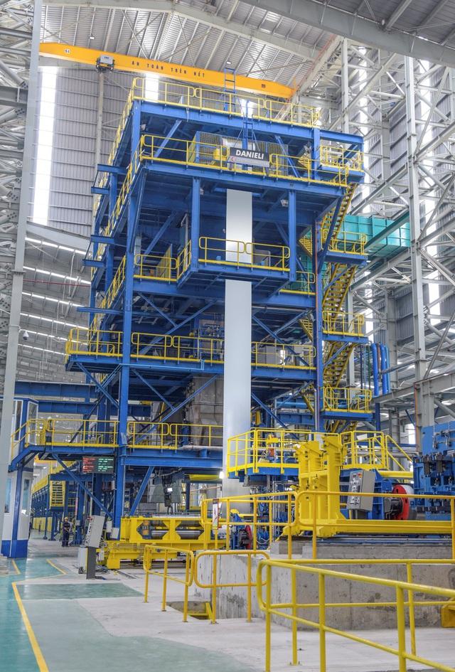 Đột nhập nhà máy, xem quy trình để thấy vì sao tôn siêu bền Hoa Sen Gold là lựa chọn vàng bảo vệ mái ấm của bạn - Ảnh 3.