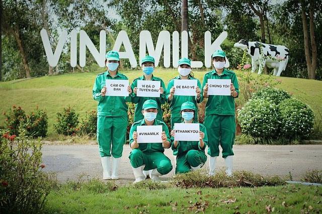 Vinamilk ủng hộ gần 15 tỷ đồng tiếp sức 'tuyến đầu' chống dịch Covd-19 - Ảnh 4.