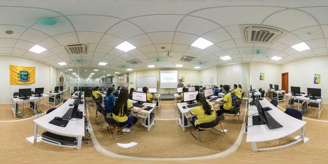 Từ giảng đường online đến lớp học thực tế ảo - Ảnh 2.