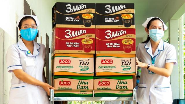 Uniben trao tặng 150.000 bữa ăn dinh dưỡng từ Mì 3 Miền và Nước trái cây Joco tới đội ngũ Y Bác sĩ các bệnh viện tuyến đầu - Ảnh 4.