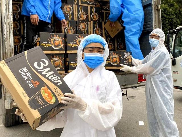 Uniben trao tặng 150.000 bữa ăn dinh dưỡng từ Mì 3 Miền và Nước trái cây Joco tới đội ngũ Y Bác sĩ các bệnh viện tuyến đầu - Ảnh 8.