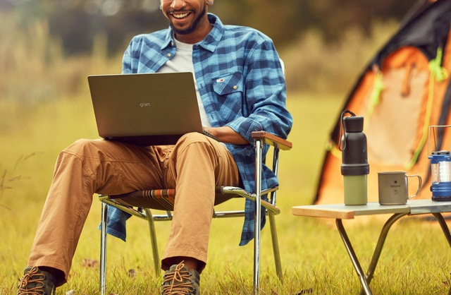"""3 mẫu laptop lý tưởng cho doanh nhân làm việc từ xa """"mùa dịch"""" - Ảnh 2."""