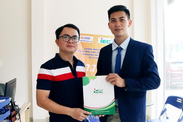 Dự án nhà ở xã hội IEC Residences Tứ Hiệp chính thức ký hợp đồng mua căn hộ với khách hàng - Ảnh 1.