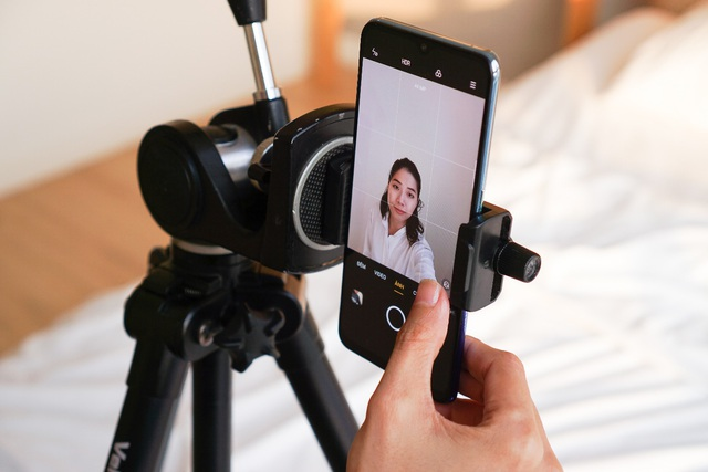 cách tự chụp ảnh thẻ