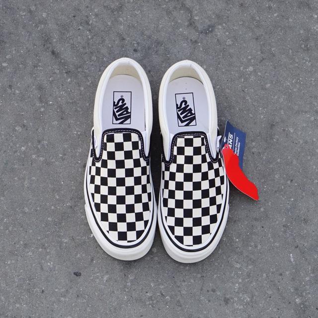 Vans x Fast Times nhắc lại màn debut kinh điển của đôi Slip-on Checkerboard những năm 80 - ảnh 5