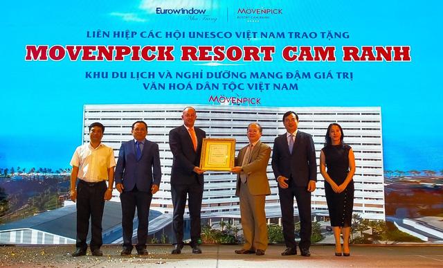 Eurowindow Holding đón quyết định công nhận 2 khách sạn nghỉ dưỡng tại Cam Ranh đạt chuẩn 5 sao - Ảnh 2.