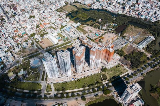 Eco Green Saigon ghi điểm nhờ tiến độ xây dựng - Ảnh 1.