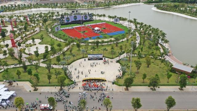 Vinhomes Grand Park ra quân, tái khởi động thị trường BĐS TP.HCM - Ảnh 1.