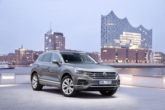 """""""Flagship"""" của Volkswagen: Touareg và xu hướng SUV - Ảnh 2."""